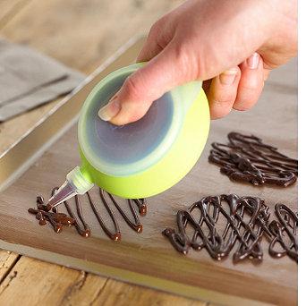 Easy-Squeeze Deco Pen